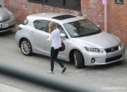 Which Car Does Taylor Drives