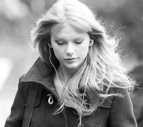 ♥Taylor Swift contest♥ ¸ •*¨`*• [round 4] - Taylor Swift Answers
