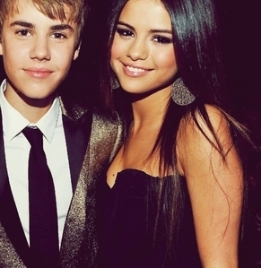 Post any cute pic of Selena and Justin together, any cute picture <3