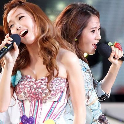 >>CONTEST<< Post a beautiful pic of Sica and Krystal..