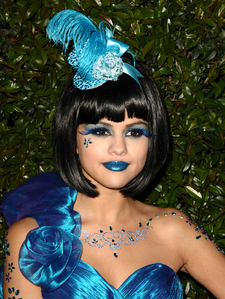 Post a pic of Selena in blue...everyone gets リスペクト