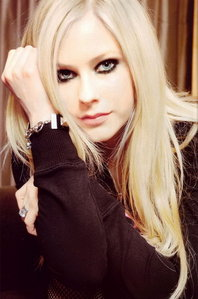 Post ur fabr@ pic of Avril !!