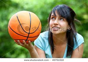 Jonna at the age 13 playing basketball, basket-ball
