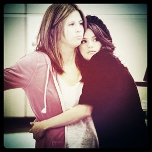 Sel found out the awful news while she attending a concert in L.A., and immediately left to go home.