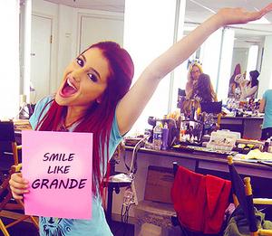 Ariana Joan Grande (: