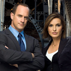 Detectives Stabler (left) and Benson (right). When they come to your door with those faces, they mean business.
