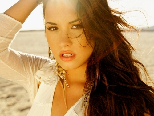 If U Are A người hâm mộ of Demi From Chile,Then See Her There!