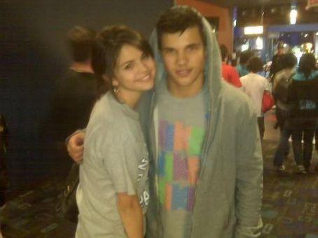 Sel & Taylor<3