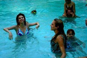 Sel In pool<3
