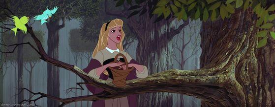 La la la Aurora's singing is just beautiful!