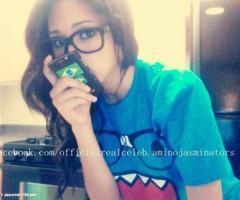 jasmijn V loves being herself! !
