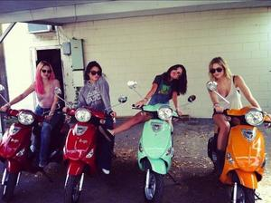 "Selena On The Set Of ""Spring Breakers""!"