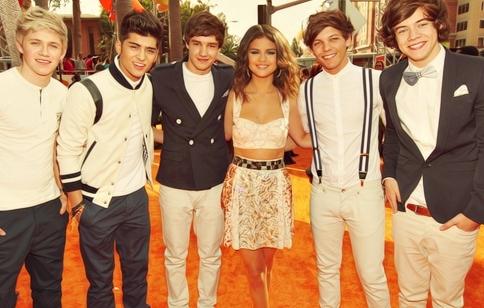 Selena With 1D at Kids Choice Award 2012