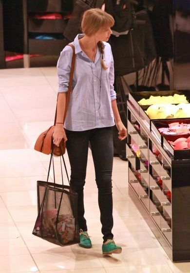 Taylor has been seen in VC buying new bras! Reason?
