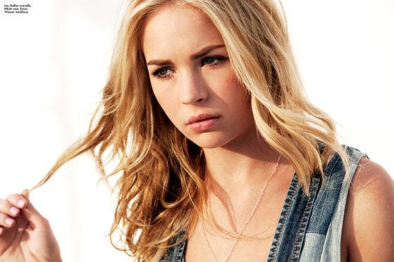 Zyanna (Britt Robertson)