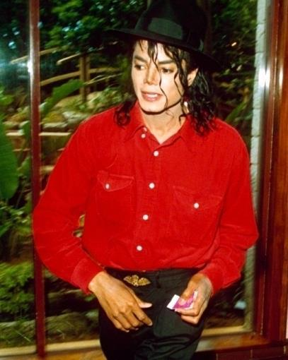 michael leaving the studio.......