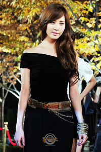seohyun in black