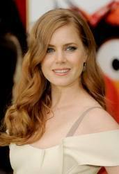 I Cinta Amy Adams, she was great as Giselle, she was also in Julie & Julia, she did the role of Julie Powell!