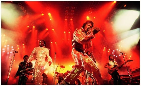 The Jacksons doing their thing!
