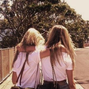 Maddy & Nena