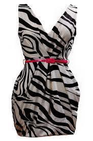 LA's dress