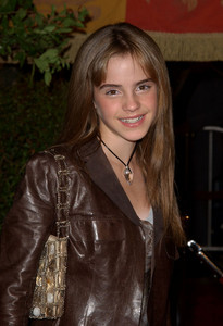 Here آپ ggooo. I want a picture of Emma Watson at the premiere of the 7th فلمیں part two