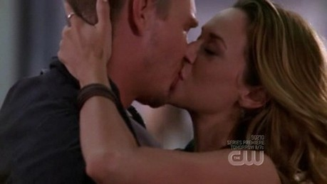 دن 3 – Your پسندیدہ couple This is hard, love both Naley and Leyton... But I'll go for Leyt