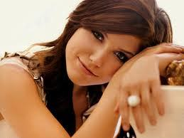 Day 6 – Your favorite actress<br /> Sophia Bush<br /> <br /> Because she is an amazing actress and