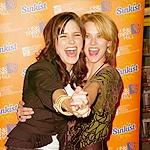 siku 7: Favourite Cast Friendship Hilarie burton & Sophia kichaka ♥ au Hilarie & Bethany Joy Lenz