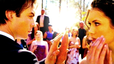 jour 3 – Your favori couple Damon & Elena ♥