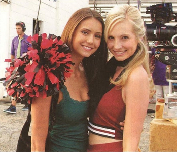 jour 7 – Your favori cast friendship Nina and Candice, I suppose