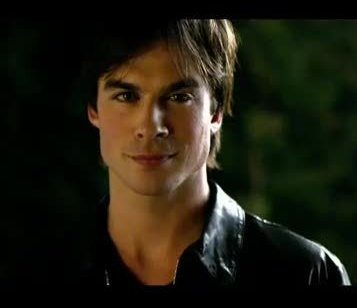 dia 1: Your favorito male character... Damon all the way!