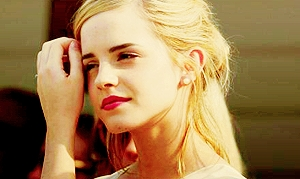 <b>Day 6: An Actress who reminds anda of a movie</b> Emma Watson will always remind me of Harry Pot