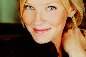 [b]Day 13: The Actress anda would like to have as your roommate[/b] Kelli Giddish, if we're going for
