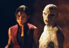 13. 가장 좋아하는 monster movie. the descent