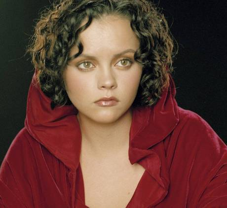 A older Romilda Vane-someone pushy like that या a ministry worker! Christina Ricci