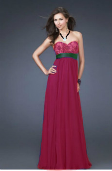 I Finally Finished Photo-Shopping My Dress For The Dance Tomorrow (: