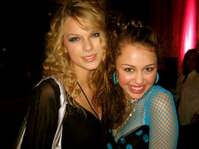 Miley with Taylor :]