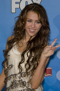 ROUND 5 OPEN MILEY WITH CURLY HAIR. :)
