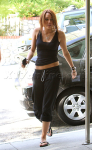 ROUND 10 OPEN MILEY IN SWEATPANTS