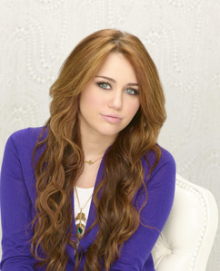 ROUND 18 IS OPEN MILEY IN HANNAH MONTANA FOREVER (AS HANNAH OR MILEY)
