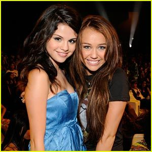 Mine... My Request :Selena Gomez And Taylor cepat, swift