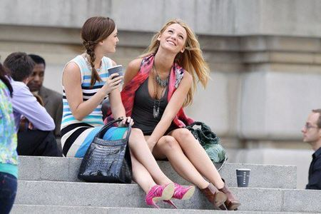 Round 4 is opened! Post a pic of Serena and Blair :)