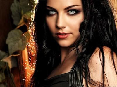 @Tamar, I love Milla~ X3 @BB92 Avril is really sexy. <3 I find Amy Lee to be sexy~
