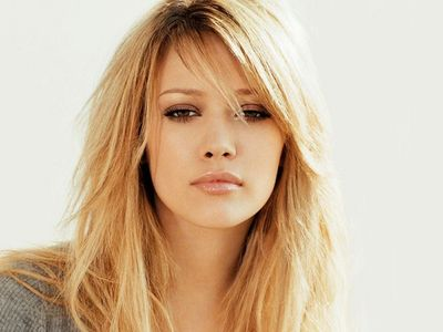 I always had a crush on Hilary Duff. She seems to be the girl selanjutnya door type of girl and I have actua