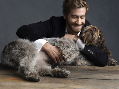 its really sweet foto of him and his dog next:jake with heath