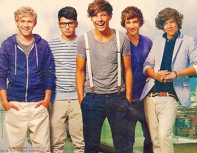 i'm new and i'm fan One Direction. Follow me on twitter http://twitter.com/an_straw . We can talk!! H