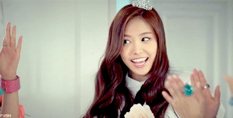 "377.""I think Naeun has some kind of eating disorder, her waist is only 20 inches, is too thin!&q"