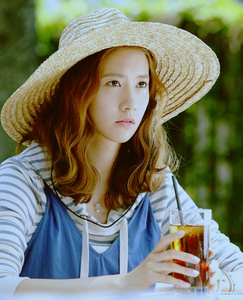 "431.""I wonder if her mom(Yoona's) feels regretful of abandoning her now that she's considered as on"