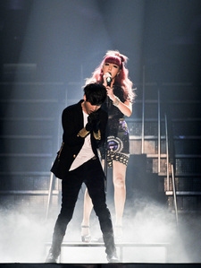 """607.""""Am I the only one who liked Bom's performance of Tablo's """"Bad""""? I saw too many negative"""